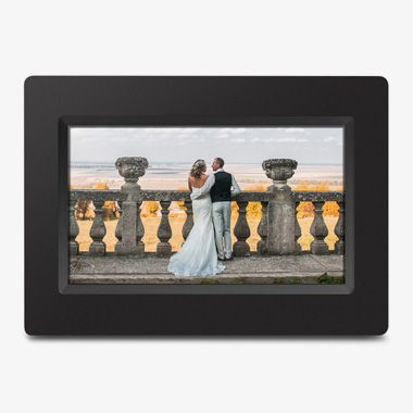 WiFi Digital Photo Frame with Touchscreen IPS LCD Display and 8GB Built-in Memory - 7 inch - thumbnail