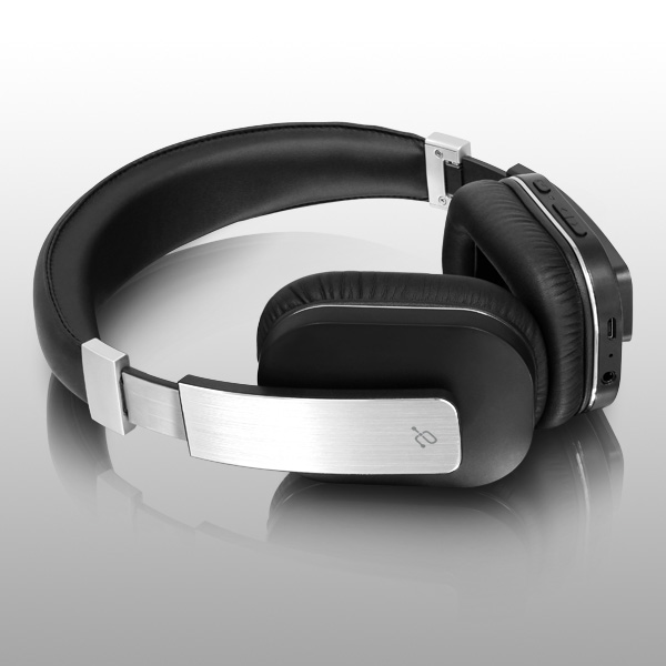 bluetooth-wireless-stereo-headphones-with-built-in-microphone-angle