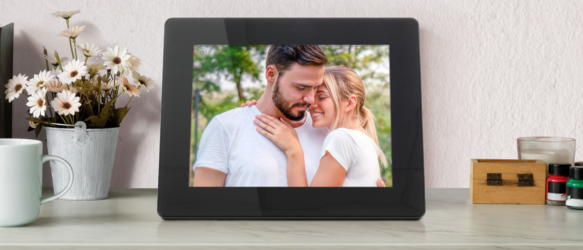 Share Your Best Memories with an Aluratek WiFi Digital Photo Frame