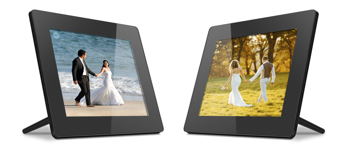 A Digital Photo Frame is the Perfect Wedding Gift