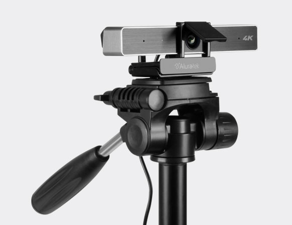 Built-in Tripod Mount